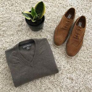 Eddie Bauer // V-Neck Sweater in Oatmeal Grey